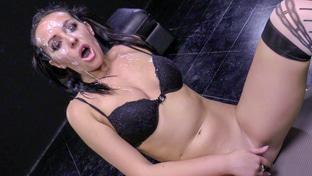 Carolina Vogue #2 swallowing 13 blowbang loads