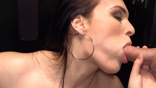 Hannah Vivienne swallowing 33 gloryhole loads